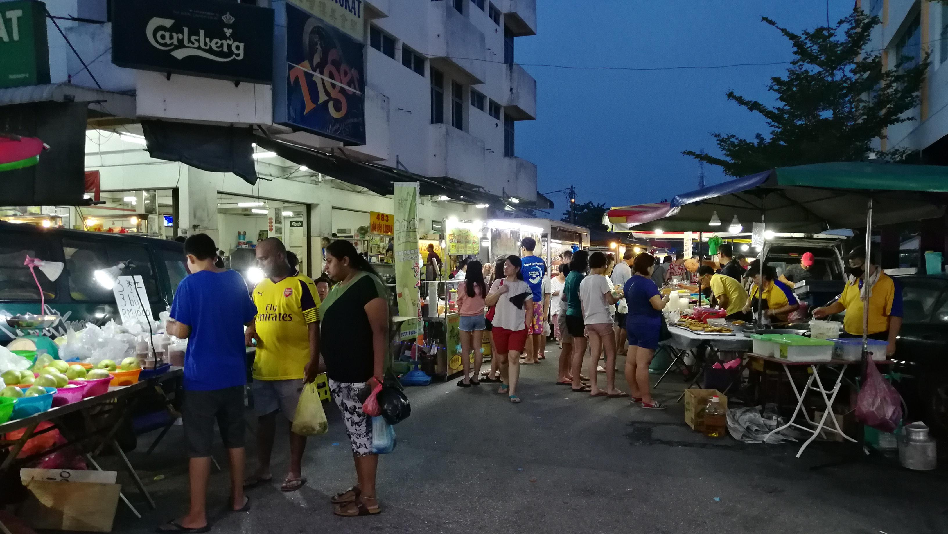 高渊夜市最著名的就是美食多。-M中文网摄-